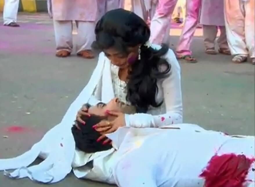 Kördüğüm Avinash ölmesi resimleri