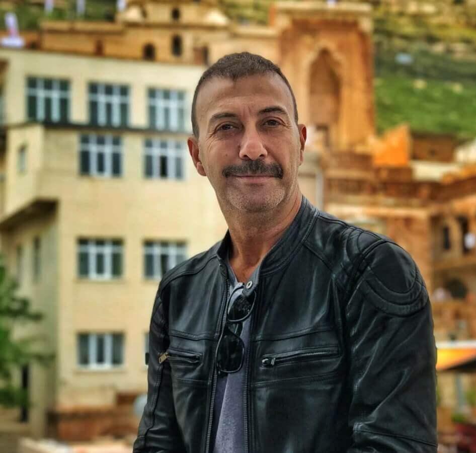 Deniz Çakır, Erkan Petekkaya ve Emre Kınayın başrollerini üstlendiği Vurgun dizisinin afişi yayınlandı 55