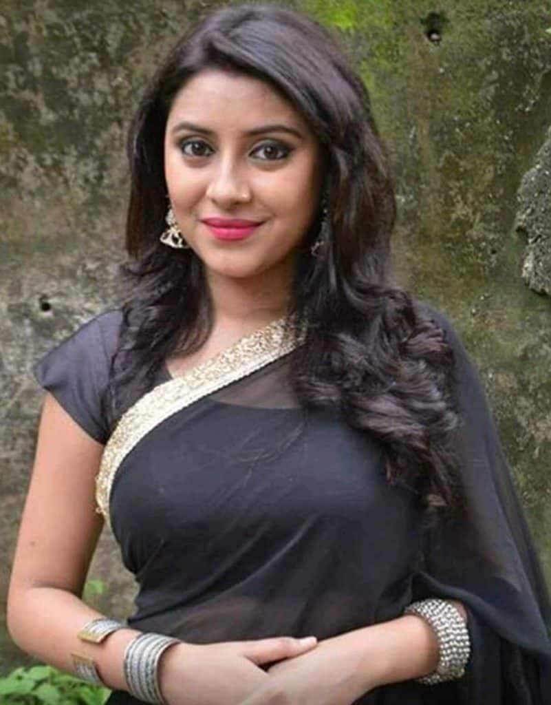 Pratyusha Banerjee İkimizin yerine dizisi Balika Vadhu