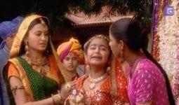 İkimizin Yerine 6. Bölüm Özeti 13 Eylül Anandi Yeni Evinde