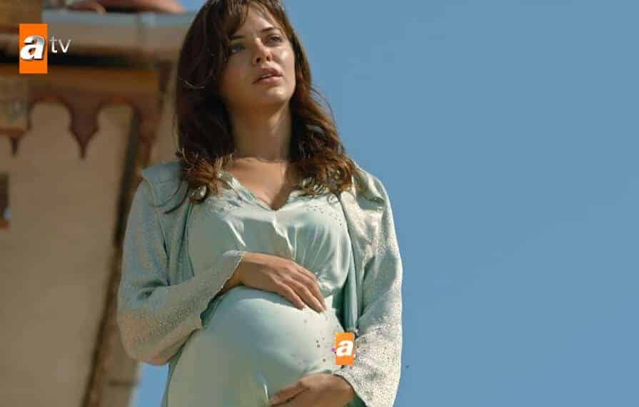 Bir Zamanlar Çukurova Züleyha'nın Bebeği Ölecek mi Yaşayacak mı 5