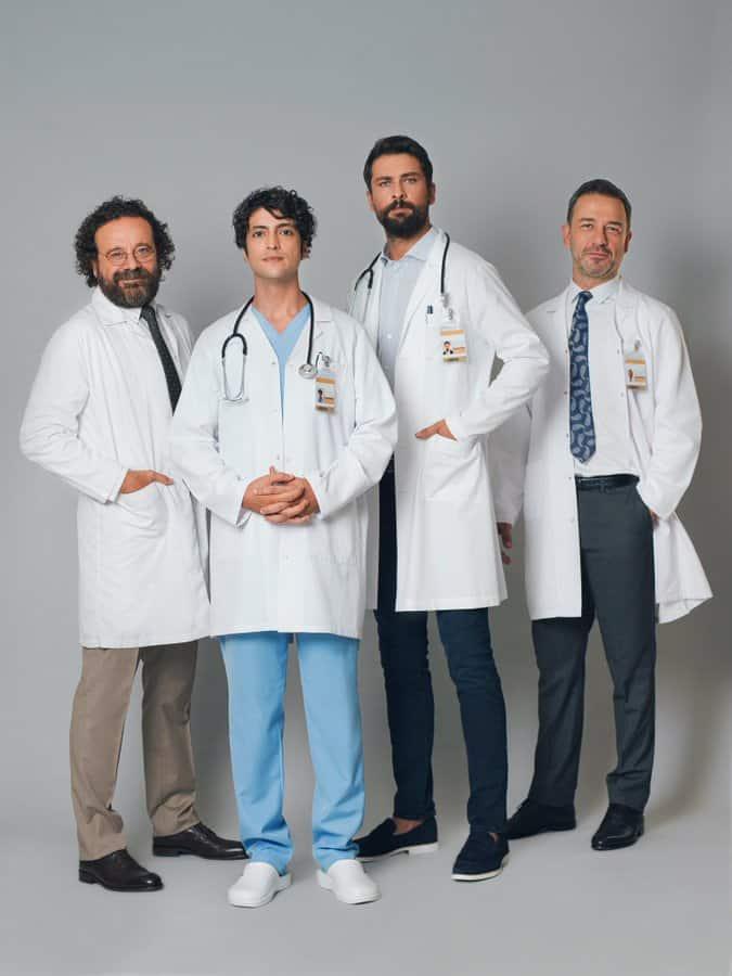 Mucize Doktor dizisi afişi