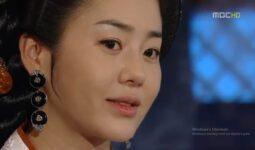 Muhteşem Kraliçe 44. Bölüm 9 Ağustos Özeti Mişil Saray Darbesi Yaptı