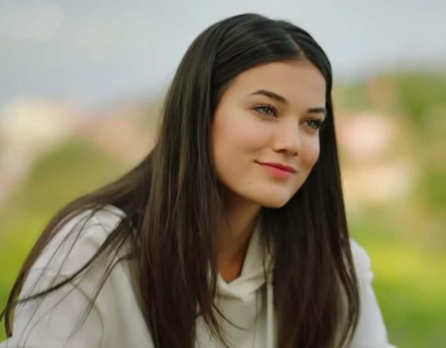 Pınar Deniz Yabancı dizisi oyuncusu