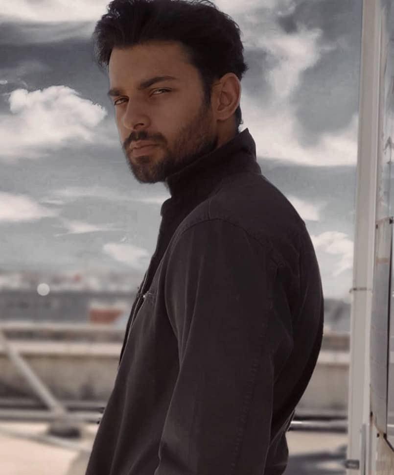 Sevdim Seni Bir Kere dizisi oyuncusu Berk Bakioğlu