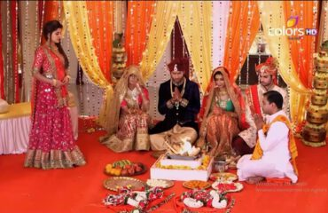 Bıçak Sırtı 69. Bölüm Özeti 25 Aralık Sanskar Kavita İle Evlenmeyi Kabul Etti
