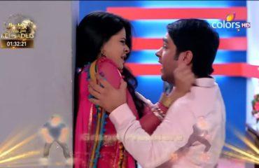 Aşk Bir Rüya 11. Bölüm Özeti 28 Şubat Divakar Tapki'ye Saldırır