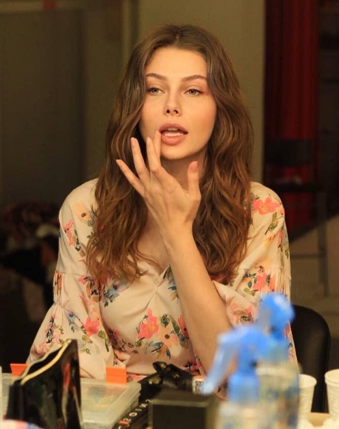 Aylin Veziroğlu emanet dizisi oyuncusu
