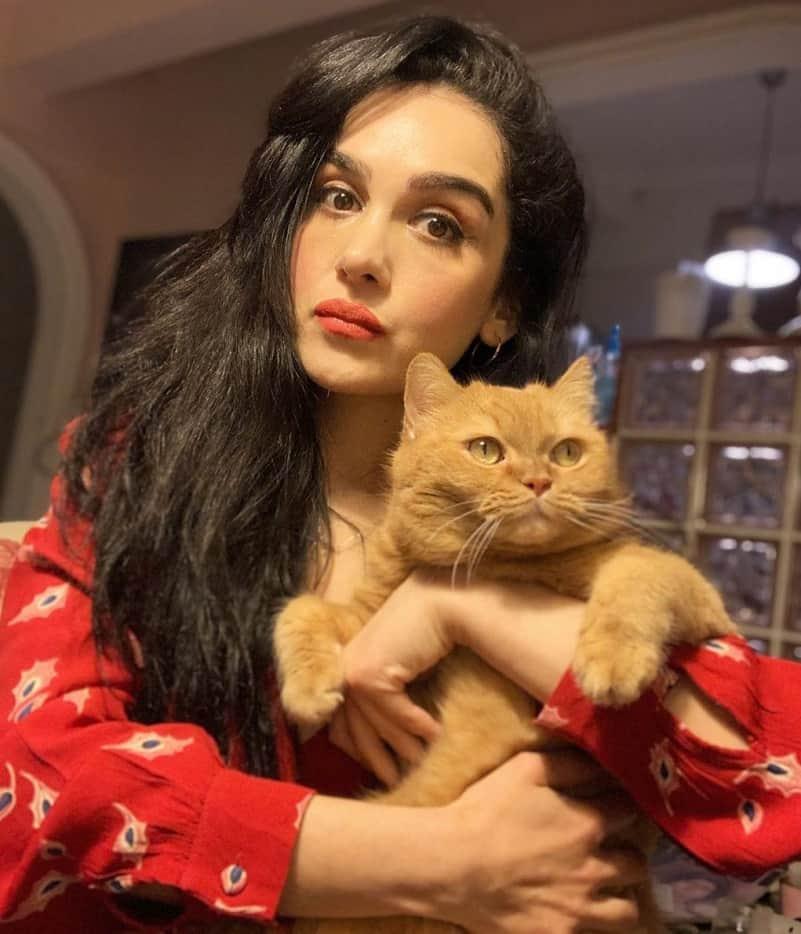 Hande Kaptan Aşk Şarkısı filmi Ahsen karakteri 2020