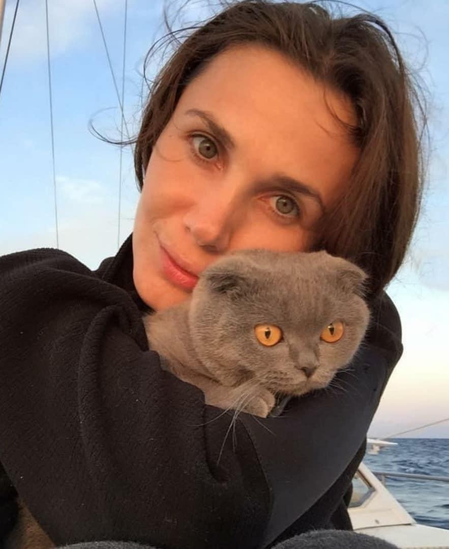 Meltem Tüzüner kedisi minnoş