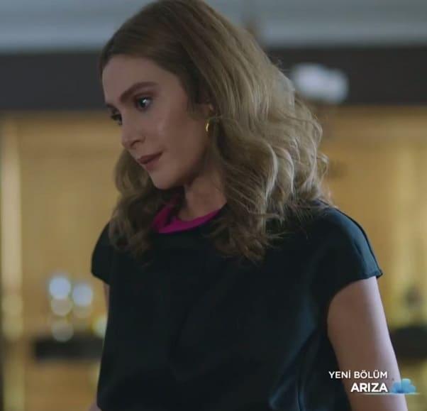 arıza dizisinde şebnem karakterine Duygu Katagan hayat vermektedir.