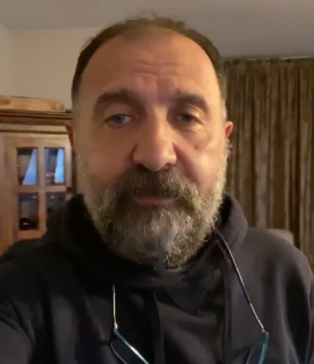 ertuğrul postoğlu yaşı 19 dizisinde ismail karakterine hayat verecek